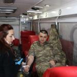 Jandarma'dan Kızılay'a kan bağışı